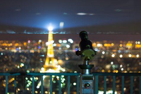 Téléscope et Tour Eiffel dans le bokeh © David Briard