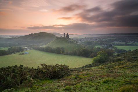 Le Château de Corfe au lever du soleil © David Briard