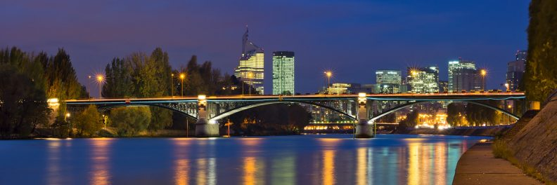 Pont de Neuilly et La Défense de nuit © David Briard
