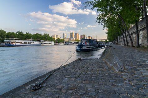Bateau amarré sur la Seine © David Briard