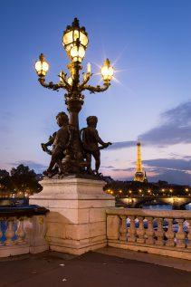 Statue et lampadaire du pont Alexandre III © David Briard