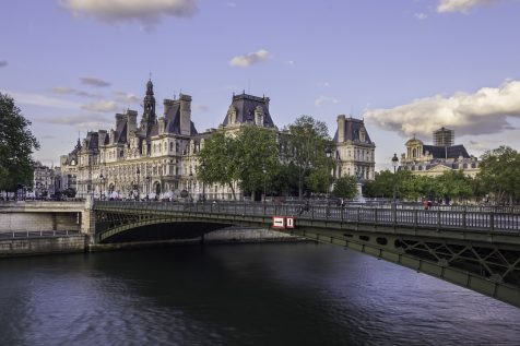 The Pont d'Arcole and the Hotel de Ville de Paris © David Briard