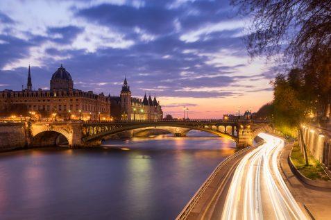 Le Pont Notre-Dame et la Conciergerie © David Briard