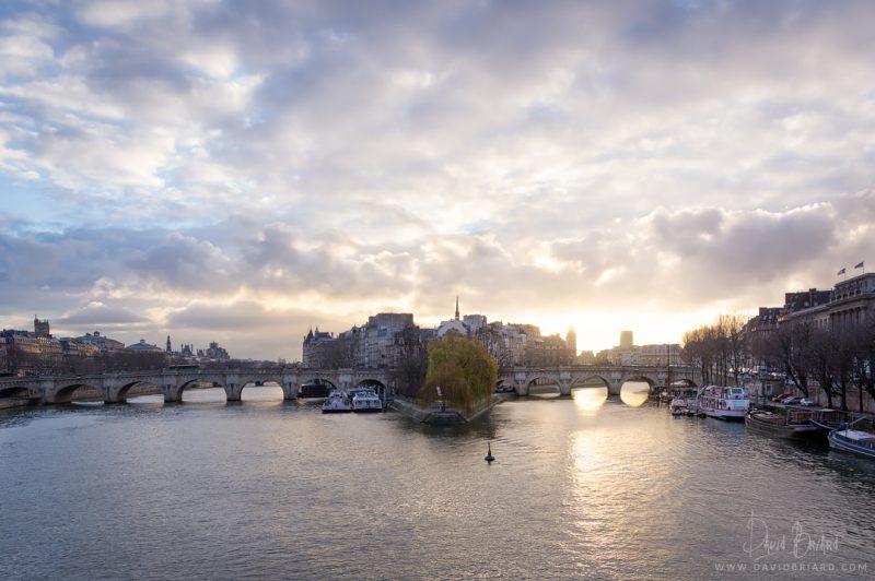 Île de la Cité au lever du soleil © David Briard