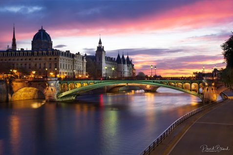 Pont Notre-Dame and Congiergerie © David Briard